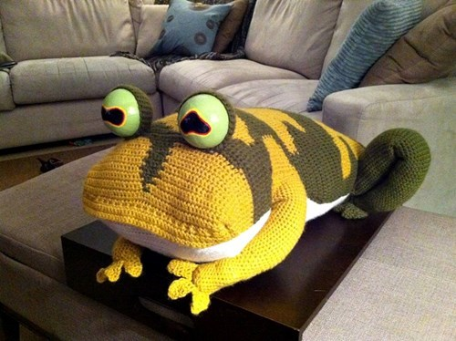 crochet,hypnotoad,cartoons,DIY,futurama