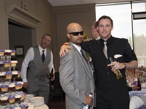photobomb third wheel weddings funny - 7699847168