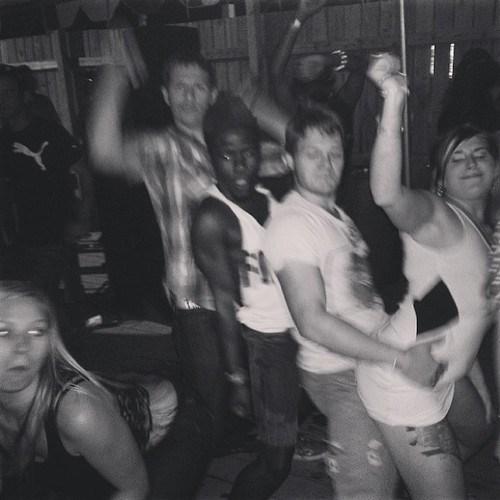 dancing photobomb fifth wheel funny - 7701641216