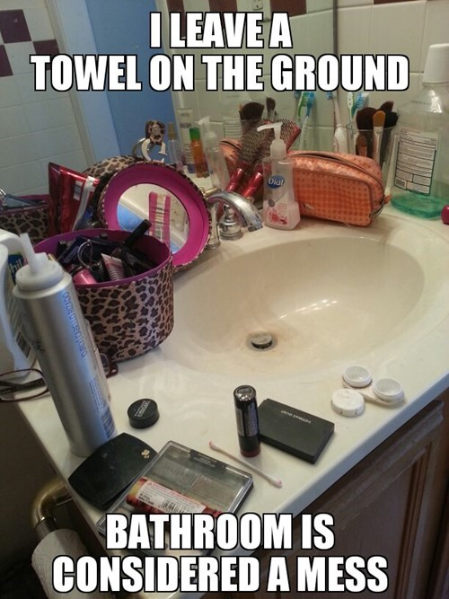 This is Bad Bathroom Etiquette All the Way Around