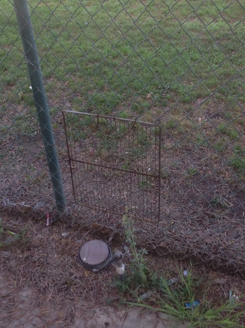 fence,baking rack,funny,there I fixed it