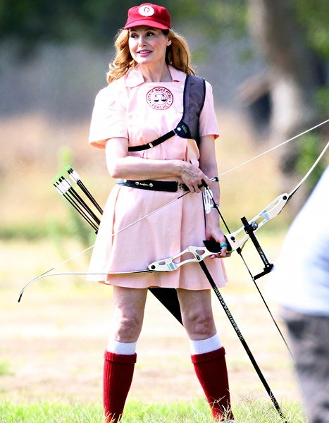 a league of their own Picture Is Unrelated archery weird celeb geena davis - 7724353536