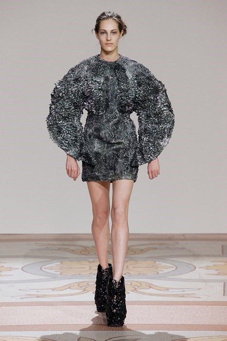 fashion,iris van herpen,magnet,style