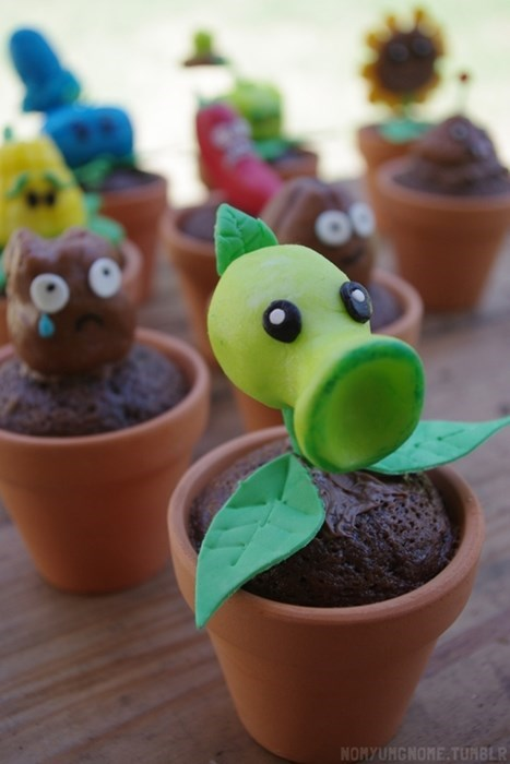 plants vs zombies,cupcakes,noms,video games
