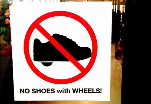 no shoes with wheels,wheel shoes,rollers