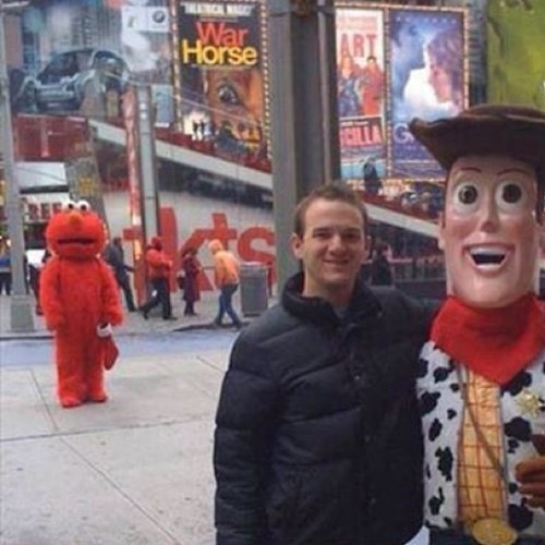 photobomb woody toy story elmo funny - 7736637952