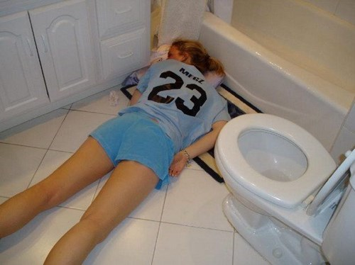 wtf passed out bathroom funny - 7736774144