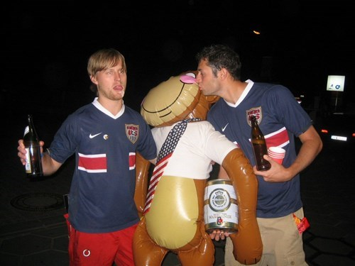 wtf drunk america monkey - 7736785152