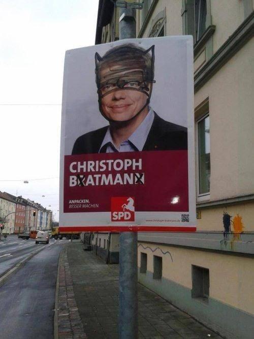 graffiti hacked irl batman funny politics - 7749514496