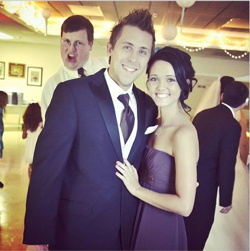 Prankster Roman Atwood gets photobombed