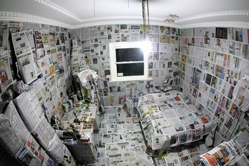 roommate prank,newspaper prank,pranks,roommates