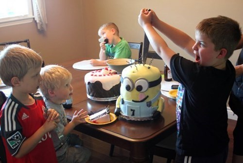 despicable me,movies,cakes,cartoons