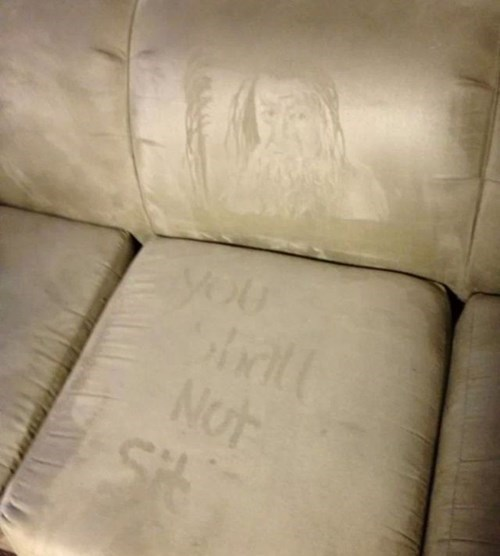 Lord of the Rings couch gandalf nerdgasm funny - 7769563136
