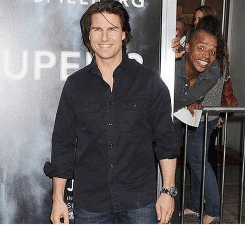 photobomb,Tom Cruise,Donald Faison,funny