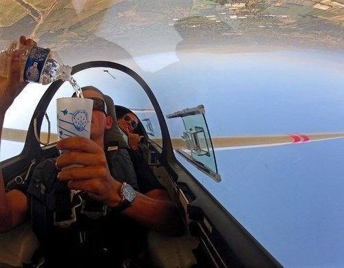 photobomb,Gravity,airplanes,funny