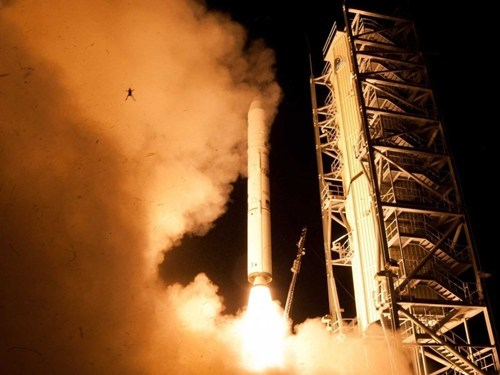 nasa photobomb funny frogs - 7795196416