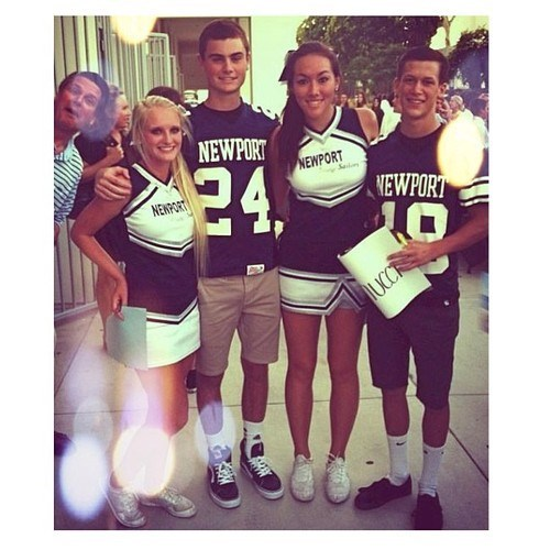 photobomb cheerleaders high school football funny - 7797337344