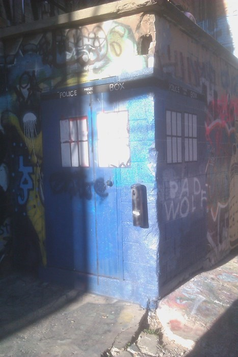 IRL tardis doctor who - 7802397696