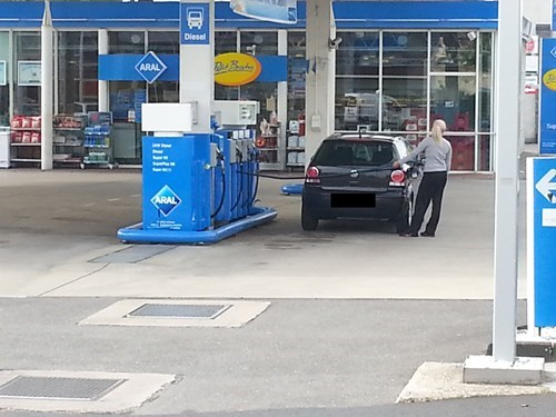 FAIL,gas station,cars,funny,there I fixed it