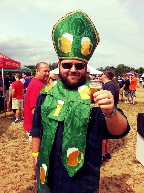 costume,beer,pope,awesome,funny