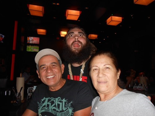 photobomb beard third wheel funny - 7822025728