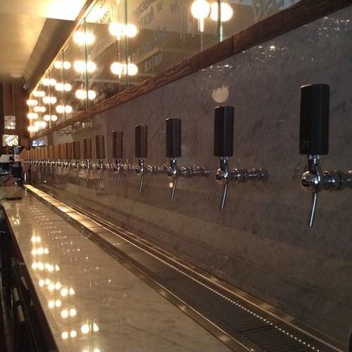 bar,beer,taps,classy