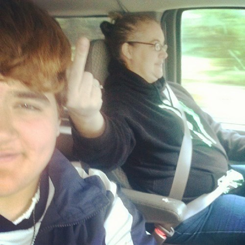 photobomb,flipping the bird,moms,funny