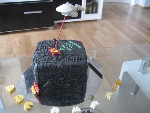 cake,borg,Star Trek,noms