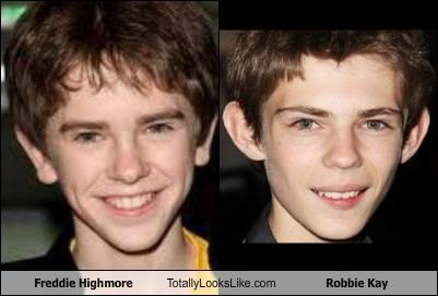 freddie highmore robbie kay totally looks like funny - 7828902656
