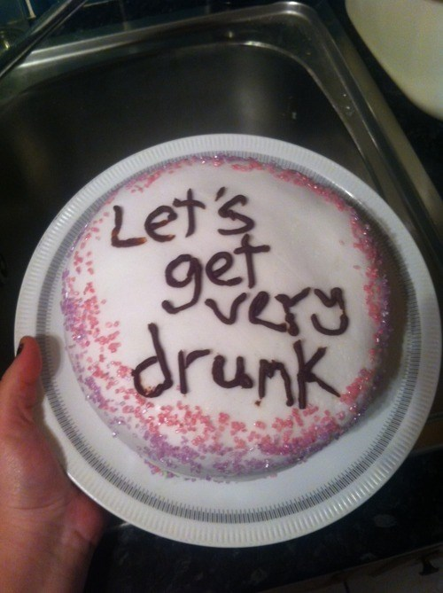 cake booze drunk funny - 7830012928
