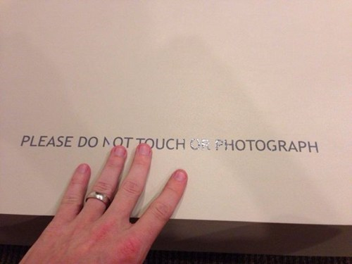 no pictures do not touch photos - 7839886080