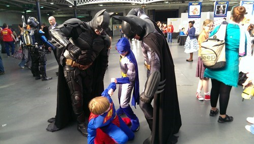 cosplay fight someone your own size batman man of steel superman - 7842678784