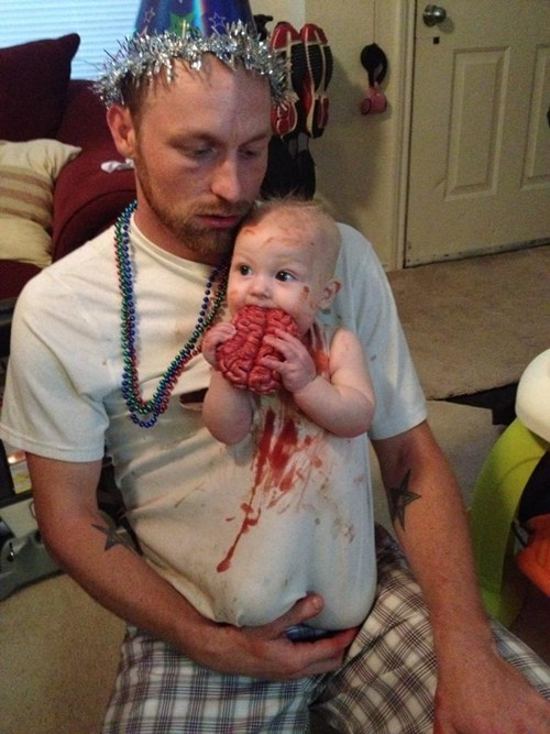 costume,Babies,dads,parenting,zombie,g rated
