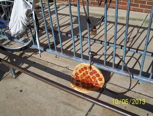 pizza bikes funny thief - 7843341056