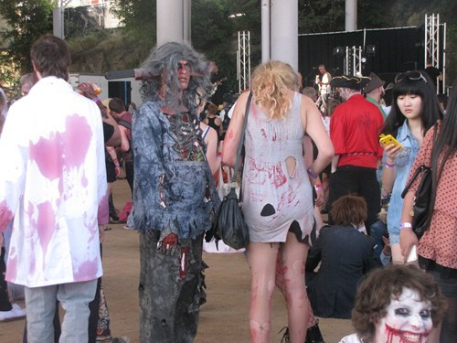 photobomb when you see it zombie zombie walk - 7846456320