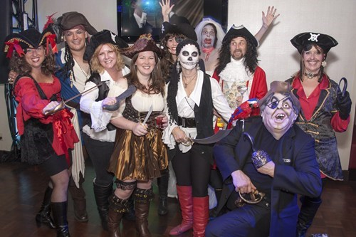 costume,photobomb,halloween,pirates,zombie