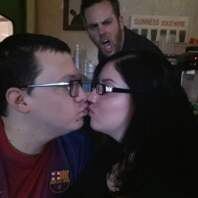 photobomb PDA angry third wheel - 7856533248