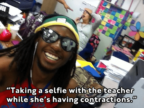 photobomb school selfie pregnant contractions - 7858277120