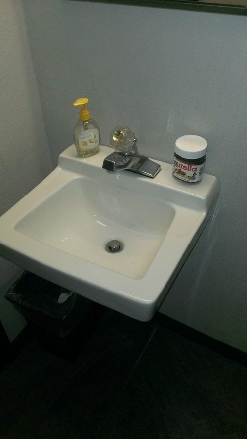 washing hands Purell bathrooms nutella - 7863425792