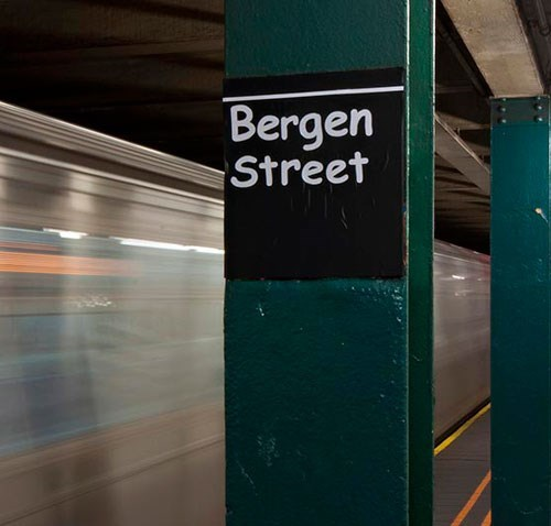 nyc,fonts,Subway,vandalism,comic sans,new york city