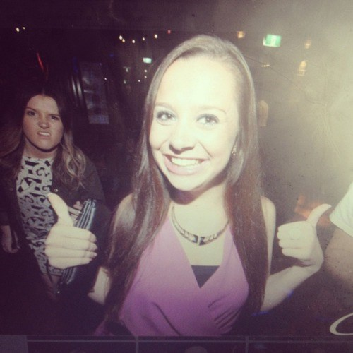 photobomb thumbs up