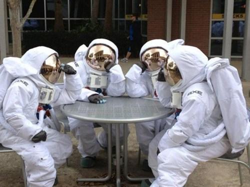 wtf astronauts funny - 7870785792