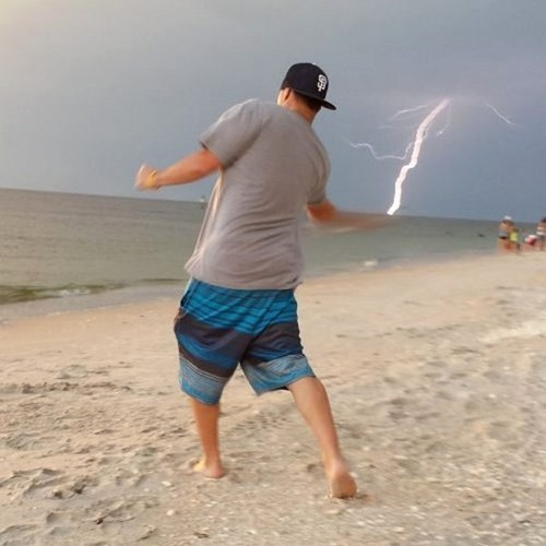 photobomb,lighting,perfectly timed