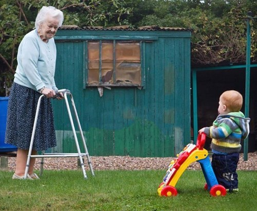 Babies walkers parenting grandparents - 7887437056