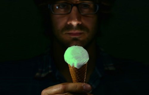 glow in the dark treat ice cream weird - 7887460352