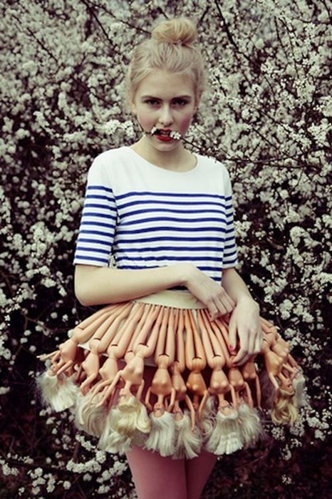 Barbie fashion dolls skirt wtf - 7890975488