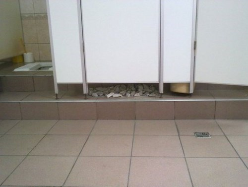bricks bathroom funny toilet - 7898087680