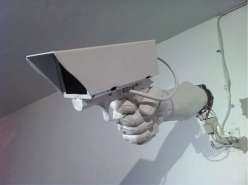 hands creepy wtf - 7899859200