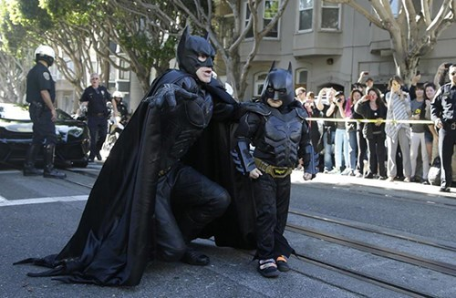 batman,funny,superheroes,random act of kindness,restoring faith in humanity week,make a wish foundation