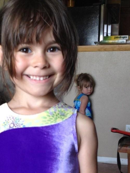 kids sisters photobomb sibling rivarly - 7908653568